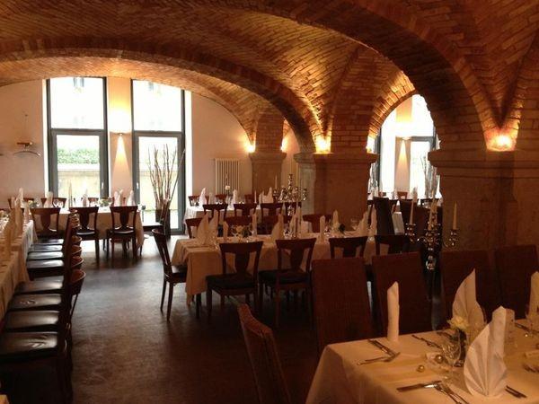 stilvolles restaurant in historischer kaserne in augsburg mieten partyraum und eventlocation. Black Bedroom Furniture Sets. Home Design Ideas