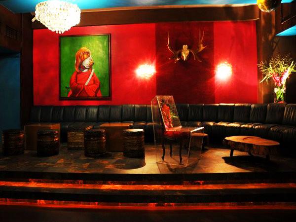 apt apartment in frankfurt am main mieten partyraum und eventlocation partyraum. Black Bedroom Furniture Sets. Home Design Ideas