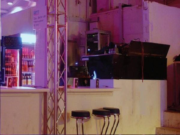 das bett in frankfurt am main mieten partyraum und eventlocation partyraum. Black Bedroom Furniture Sets. Home Design Ideas