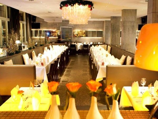 restaurant am rathausplatz in k ln mieten partyraum und eventlocation partyraum. Black Bedroom Furniture Sets. Home Design Ideas