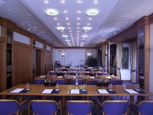 eventlocation am mainufer in w rzburg mieten partyraum und eventlocation partyraum. Black Bedroom Furniture Sets. Home Design Ideas