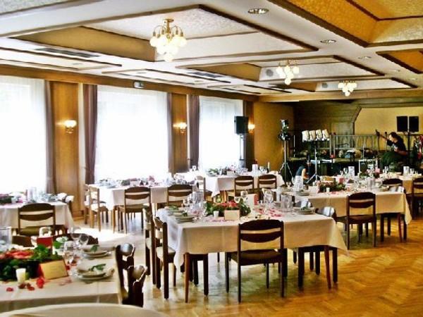 hotel restaurant im gr nen in wendeburg mieten partyraum und eventlocation partyraum. Black Bedroom Furniture Sets. Home Design Ideas