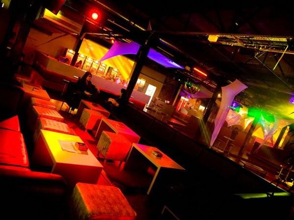 clublocation im m lheimer hafen in k ln mieten partyraum und eventlocation partyraum. Black Bedroom Furniture Sets. Home Design Ideas