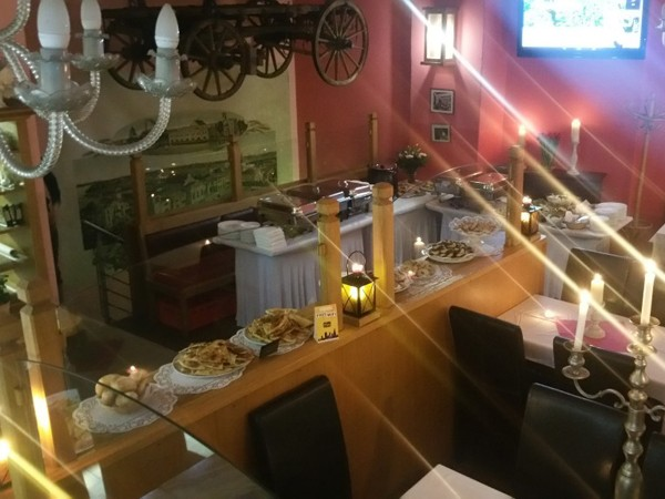 club mit restaurant am alexanderplatz in berlin mieten partyraum und eventlocation partyraum. Black Bedroom Furniture Sets. Home Design Ideas