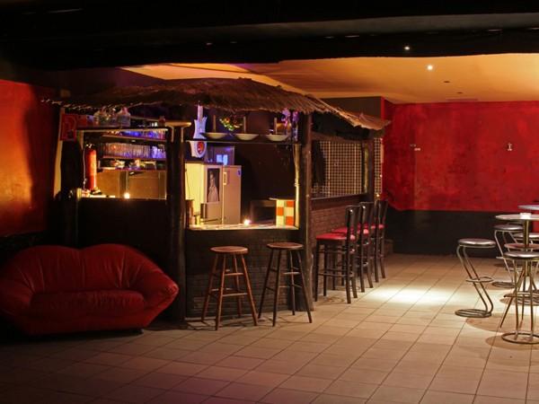 sympathische mietlocation in ehrenfeld in k ln mieten partyraum und eventlocation partyraum. Black Bedroom Furniture Sets. Home Design Ideas