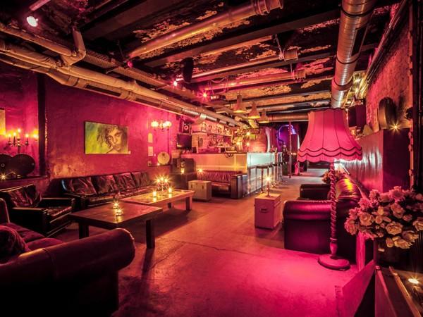 kultiger club im untergrund in kreuzberg in berlin mieten partyraum und eventlocation. Black Bedroom Furniture Sets. Home Design Ideas