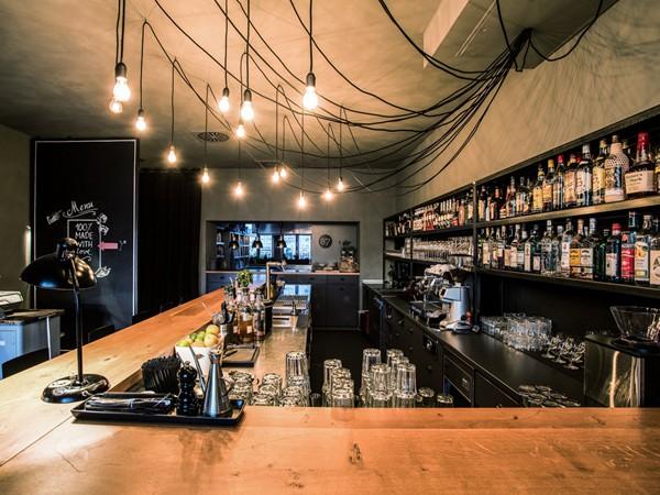 design restaurant im industrielook in stuttgart mieten partyraum und eventlocation partyraum. Black Bedroom Furniture Sets. Home Design Ideas