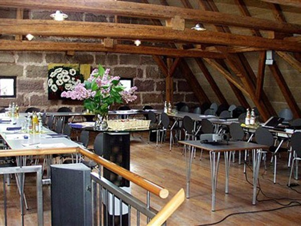 moderner gutshof bei n rnberg in leinburg bei n rnberg mieten partyraum und eventlocation. Black Bedroom Furniture Sets. Home Design Ideas