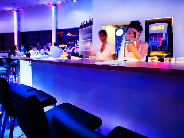oval lounge in karlsruhe mieten partyraum und eventlocation partyraum. Black Bedroom Furniture Sets. Home Design Ideas