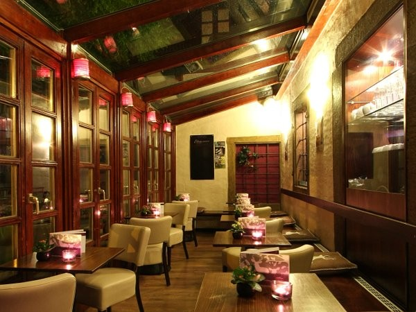 caf und bar regensburger altstadt in regensburg mieten partyraum und eventlocation. Black Bedroom Furniture Sets. Home Design Ideas